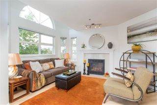 "Photo 1: 402 1515 E 6TH Avenue in Vancouver: Grandview Woodland Condo for sale in ""Woodland Terrace"" (Vancouver East)  : MLS®# R2511230"