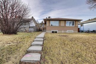 Photo 3: 809/811 45 Street SW in Calgary: Westgate Duplex for sale : MLS®# A1053886