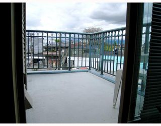 "Photo 10: 406 688 E 16TH Avenue in Vancouver: Fraser VE Condo for sale in ""VINTAGE EAST"" (Vancouver East)  : MLS®# V710673"