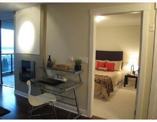 Photo 3: 703-160 West 3rd Street in North Vancouver: Lower Lonsdale Condo for sale : MLS®# V725790
