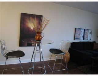Photo 2: 703-160 West 3rd Street in North Vancouver: Lower Lonsdale Condo for sale : MLS®# V725790