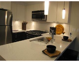 Photo 6: 703-160 West 3rd Street in North Vancouver: Lower Lonsdale Condo for sale : MLS®# V725790
