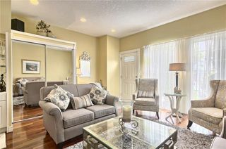 Photo 4: 603 15 Street NW in Calgary: Hillhurst Semi Detached for sale : MLS®# C4300214
