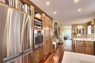 Photo 13: 603 15 Street NW in Calgary: Hillhurst Semi Detached for sale : MLS®# C4300214
