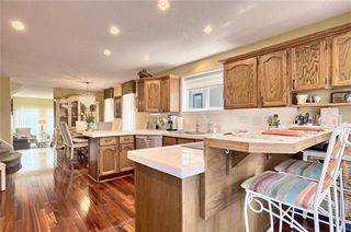 Photo 11: 603 15 Street NW in Calgary: Hillhurst Semi Detached for sale : MLS®# C4300214