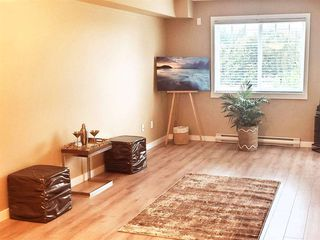 "Photo 3: 310 33960 OLD YALE Road in Abbotsford: Central Abbotsford Condo for sale in ""Old Yale Heights"" : MLS®# R2464949"