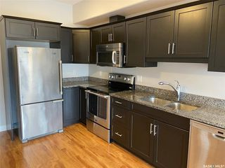 Photo 1: 314 412 Willowgrove Square in Saskatoon: Willowgrove Residential for sale : MLS®# SK813387