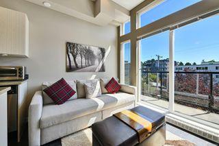 Photo 3: 306 1121 Fort St in : Vi Downtown Condo for sale (Victoria)  : MLS®# 851451