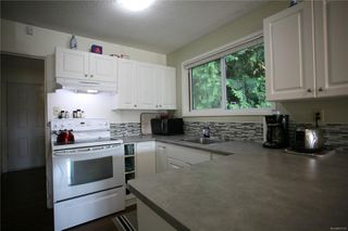 Photo 2: 1390 Boundary Cres in : Na Central Nanaimo Full Duplex for sale (Nanaimo)  : MLS®# 855135