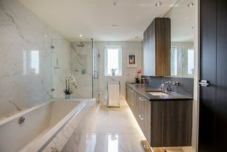 """Photo 12: 1201 210 SALTER Street in New Westminster: Queensborough Condo for sale in """"The Peninsula"""" : MLS®# R2497782"""