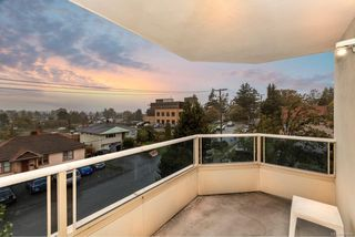 Photo 2: 302 3700 Carey Rd in : SW Gateway Condo for sale (Saanich West)  : MLS®# 859016