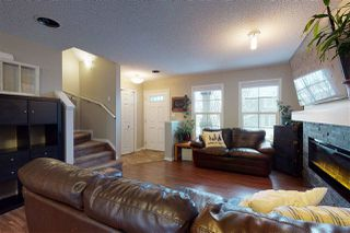 Photo 4: 587 Orchards Boulevard SW in Edmonton: Zone 53 Townhouse for sale : MLS®# E4221445