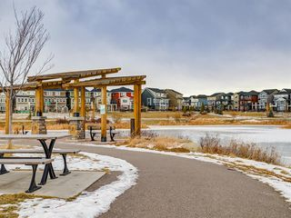 Photo 48: 142 Sunset Road: Cochrane Row/Townhouse for sale : MLS®# A1052095