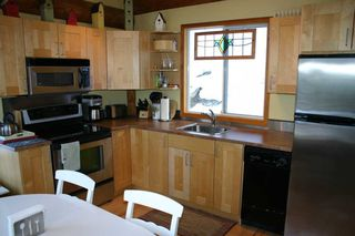 Photo 18: 3111 Birch Avenue in Eagle Bay: Semi-Waterfront House for sale : MLS®# 10105304