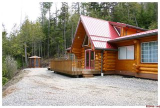 Photo 6: 3111 Birch Avenue in Eagle Bay: Semi-Waterfront House for sale : MLS®# 10105304