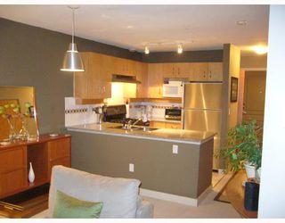 Photo 2: 308 2181 W 10TH Avenue in Vancouver: Kitsilano Condo for sale (Vancouver West)  : MLS®# V678659