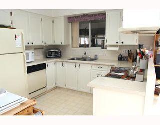 """Photo 2: 5533 6TH Avenue in Tsawwassen: Tsawwassen Central House for sale in """"N"""" : MLS®# V691279"""