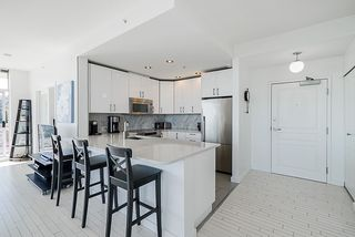 Photo 5: 803 9288 UNIVERSITY CRESCENT in Burnaby: Simon Fraser Univer. Condo for sale (Burnaby North)  : MLS®# R2360340
