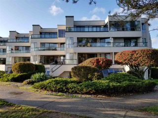 "Photo 1: 111 5477 WHARF Avenue in Sechelt: Sechelt District Condo for sale in ""Royal Terraces"" (Sunshine Coast)  : MLS®# R2414645"