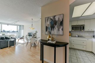 "Photo 3: 502 1065 QUAYSIDE Drive in New Westminster: Quay Condo for sale in ""Quayside Tower 2"" : MLS®# R2439156"