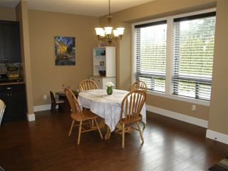 Photo 3: 65987 OGILVIEW Drive in Hope: Hope Kawkawa Lake House for sale : MLS®# R2443897