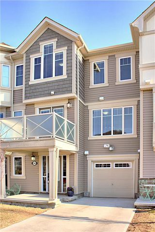 Photo 2: 146 WINDSTONE Mews SW: Airdrie Row/Townhouse for sale : MLS®# C4305221