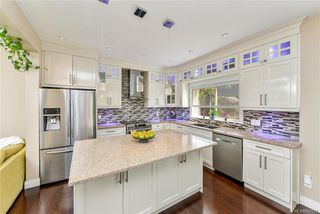 Photo 11: 1239 Colville Rd in Esquimalt: Es Rockheights Single Family Detached for sale : MLS®# 840537