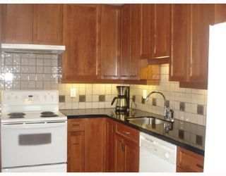 """Photo 7: 302 1860 ROBSON Street in Vancouver: West End VW Condo for sale in """"STANLEY PARK PLACE"""" (Vancouver West)  : MLS®# V662524"""