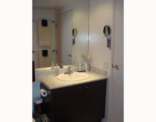"""Photo 6: 704-124 W 1st Street in North_Vancouver: Lower Lonsdale Condo for sale in """"THE Q"""" (North Vancouver)  : MLS®# V673863"""