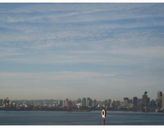 """Photo 8: 704-124 W 1st Street in North_Vancouver: Lower Lonsdale Condo for sale in """"THE Q"""" (North Vancouver)  : MLS®# V673863"""