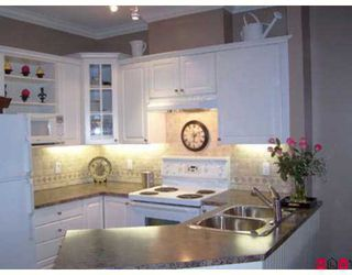 """Photo 2: 2678 KING GEORGE Highway in White Rock: King George Corridor Townhouse for sale in """"Mirada"""" (South Surrey White Rock)  : MLS®# F2624489"""