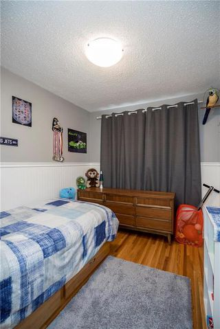 Photo 11: 707 Ravelston Avenue West in Winnipeg: West Transcona Residential for sale (3L)  : MLS®# 202000646