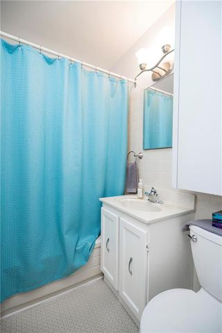 Photo 12: 707 Ravelston Avenue West in Winnipeg: West Transcona Residential for sale (3L)  : MLS®# 202000646