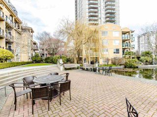Photo 19: 207 5 RENAISSANCE SQUARE in New Westminster: Quay Condo for sale : MLS®# R2442124
