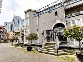 Photo 1: 207 5 RENAISSANCE SQUARE in New Westminster: Quay Condo for sale : MLS®# R2442124