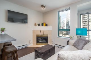 "Photo 2: 1210 939 HOMER Street in Vancouver: Yaletown Condo for sale in ""THE PINNACLE"" (Vancouver West)  : MLS®# R2461082"