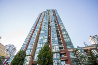 "Photo 17: 1210 939 HOMER Street in Vancouver: Yaletown Condo for sale in ""THE PINNACLE"" (Vancouver West)  : MLS®# R2461082"