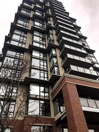 """Main Photo: 1602 15 E ROYAL Avenue in New Westminster: Fraserview NW Condo for sale in """"VICTORIA HILL"""" : MLS®# R2478068"""