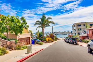 Photo 6: POINT LOMA Condo for sale : 2 bedrooms : 2955 Mccall St #301 in San Diego
