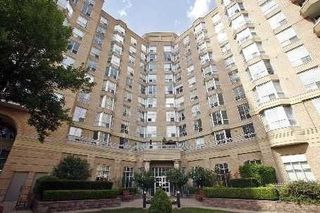 Photo 2: 515 11 Thorncliffe Park Drive in Toronto: Thorncliffe Park Condo for sale (Toronto C11)  : MLS®# C4990593