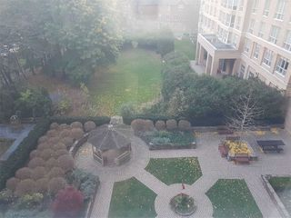 Photo 10: 515 11 Thorncliffe Park Drive in Toronto: Thorncliffe Park Condo for sale (Toronto C11)  : MLS®# C4990593