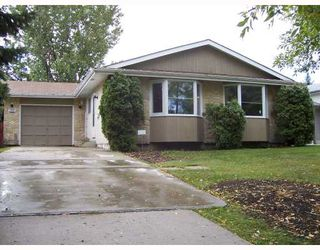 Photo 1: 155 WHITEWAY Road in WINNIPEG: Transcona Single Family Detached for sale (North East Winnipeg)  : MLS®# 2716662