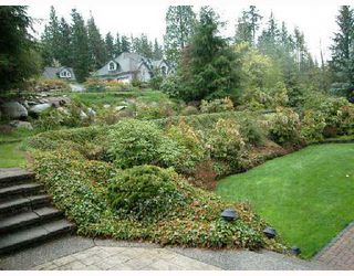 Photo 9: 147 FERN Drive: Anmore House for sale (Port Moody)  : MLS®# V688000