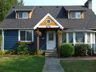 Photo 2: 2096 20TH STREET in COURTENAY: Residential Detached for sale : MLS®# 262169