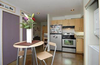 Photo 4: 90 Regatta Landing in Victoria: Residential for sale (104)  : MLS®# 265137