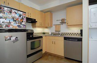 Photo 2: 90 Regatta Landing in Victoria: Residential for sale (104)  : MLS®# 265137