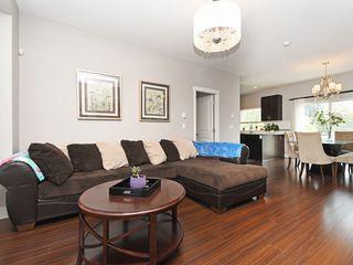 Photo 3: 3 2183 PRAIRIE Avenue in Port Coquitlam: Glenwood PQ Townhouse for sale : MLS®# R2392891