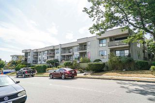 """Photo 2: 203 808 E 8TH Avenue in Vancouver: Mount Pleasant VE Condo for sale in """"Prince Albert Court"""" (Vancouver East)  : MLS®# R2401059"""