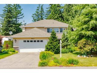 """Photo 2: 19827 34A Avenue in Langley: Brookswood Langley House for sale in """"Meadowbrook"""" : MLS®# R2469131"""