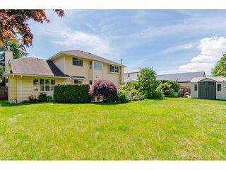 """Photo 17: 19827 34A Avenue in Langley: Brookswood Langley House for sale in """"Meadowbrook"""" : MLS®# R2469131"""